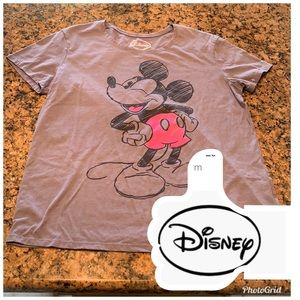 3/$15 Disney Mickey tee in pink